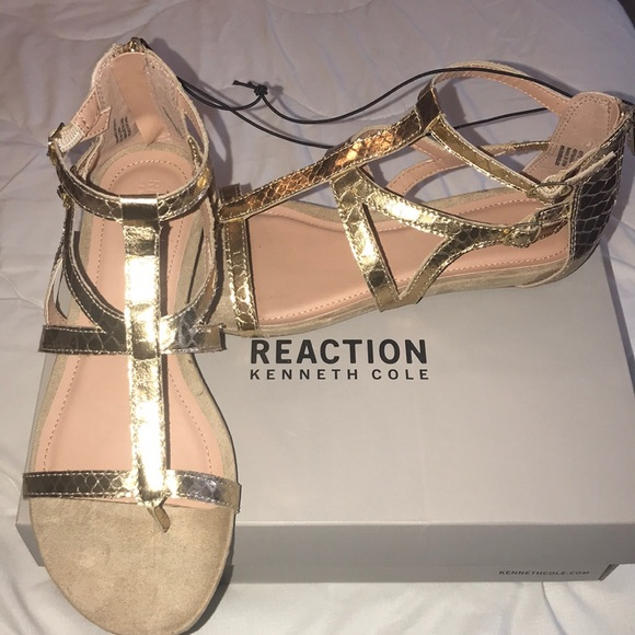 9af29ceb0366 KENNETH COLE REACTION GLADIATOR GOLD SANDALS SZ 9